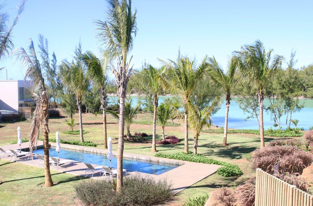 Барашуа 8 частных вилл на берегу моря с 2 бассейнами на Маврикии в аренду